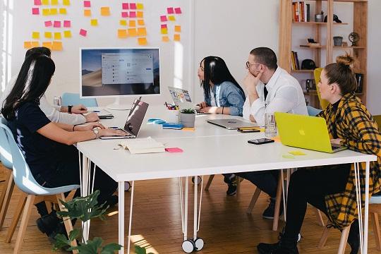 Skill Komunikasi Esensial yang Dibutuhkan untuk Menjadi PR yang Sukses