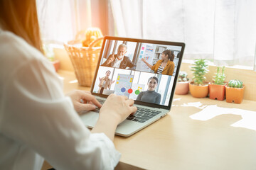 Tips Presentasi Virtual Agar Terlihat Menarik